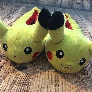 🔴 Pokemon Piccachu Slippers XL